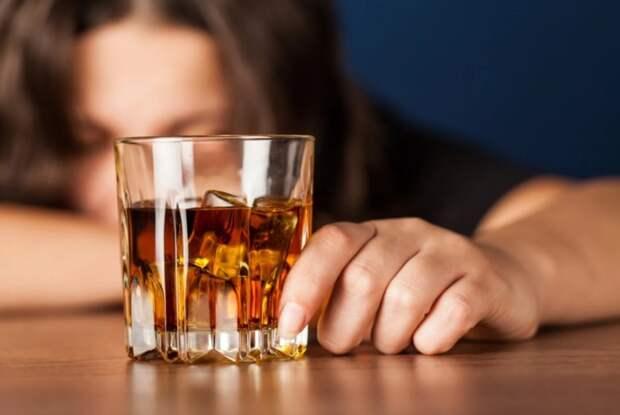 Макаров со своим протеже додумались, как заработать на пьяницах