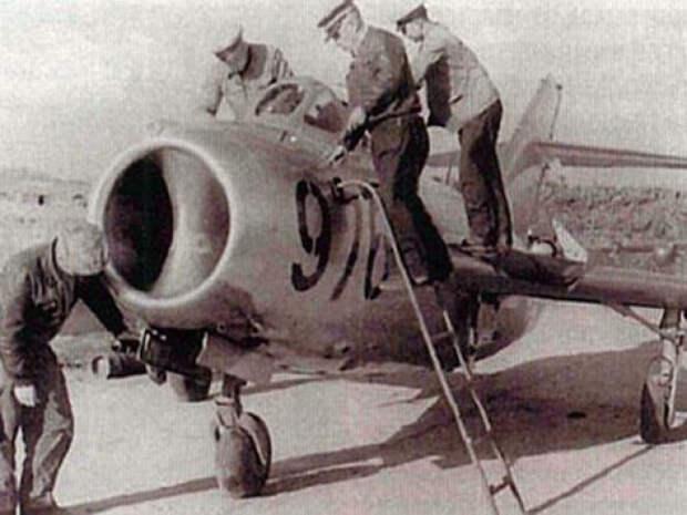 Советские лётчики в небе Кореи
