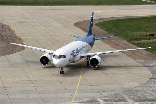 Страшны ли новейшему российскому самолету МС-21 американские санкции?