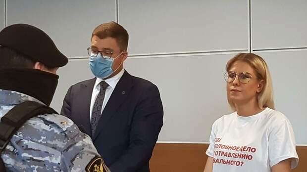 Женщины Навального взяты — а мужики разбежались