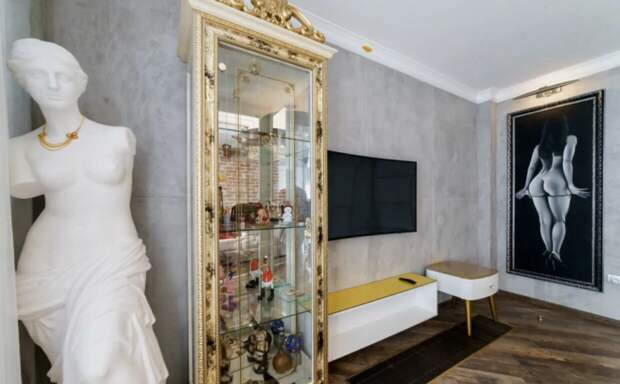Почем в Нижнем Новгороде продают «однушку» с золотым унитазом