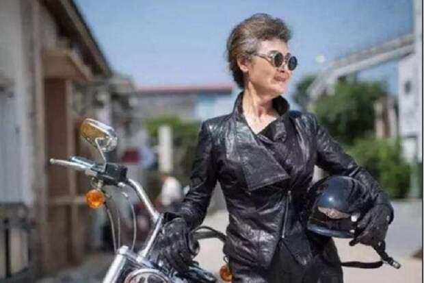 76-летняя  китайская бабушка Хуан Яньчжэнь…