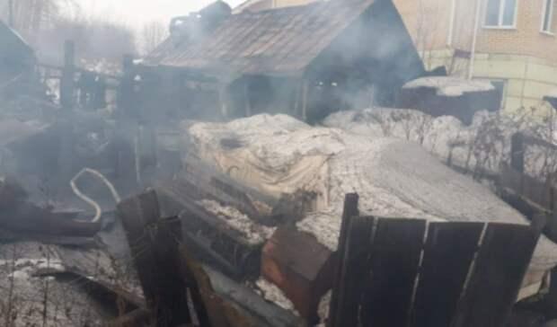 Печь не топили: в Нижнем Тагиле дача сгорела во время отсутствия хозяев