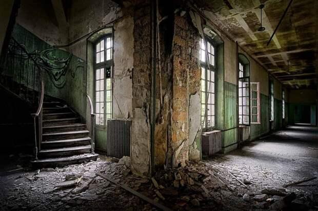 Бывшая больница во Франции