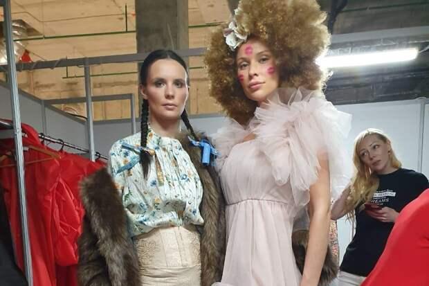 Супермодель Кира Дихтяр приняла участия в модном показе на «Неделе Моды в Москве. Дети»