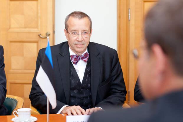 «Заедем на танке»: как отреагировали в соцсетях на слова экс-президента Эстонии