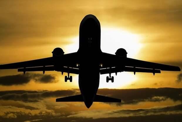 Вылетевший в Уфу самолёт подал сигнал тревоги и вернулся в Пулково