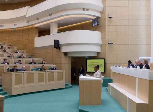 Совет Федерации одобрил закон о запрете участия в выборах судимым по статьям средней тяжести