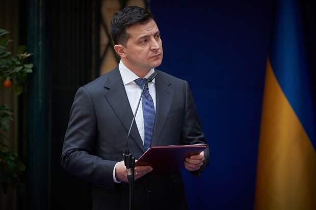 Ищенко рассказал, что спасает Зеленского от свержения