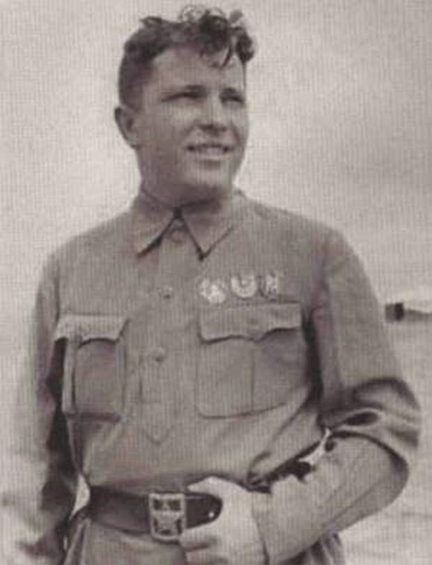 Лётчик-истребитель Г.П. Кравченко