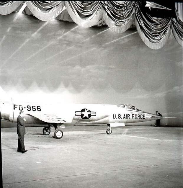 YF-104.jpg