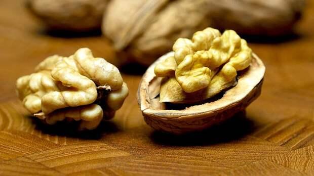Россиянам рассказали о пользе грецких орехов
