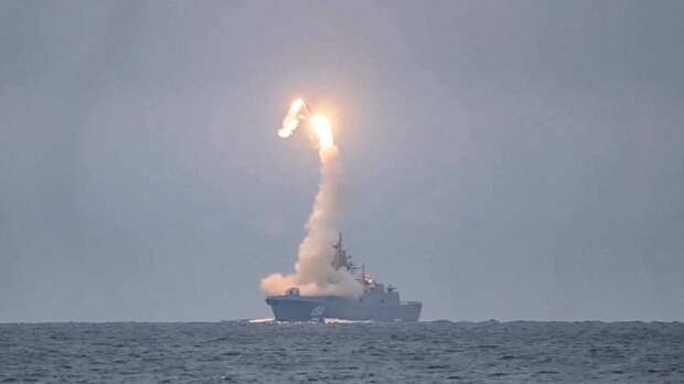 """Россия изменила расстановку сил в море: Ракету """"Циркон"""" признали идеальной убийцей"""
