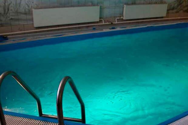 На юге Москве в бассейне сауны утонул мужчина