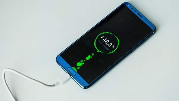 Как правильно заряжать телефон, чтобы не портить аккумулятор