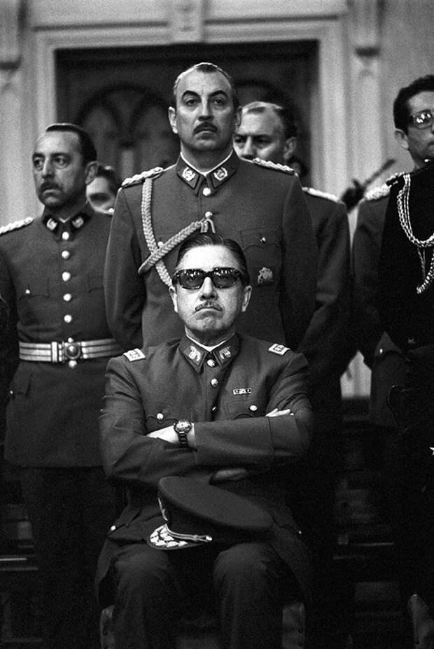 Фото 5. Аугусто Пиночет, 1973 год.jpg