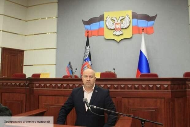 «Ничего не могут, но согласуют всё»: в ЛДНР рассказали о новой делегации Украины в Минске