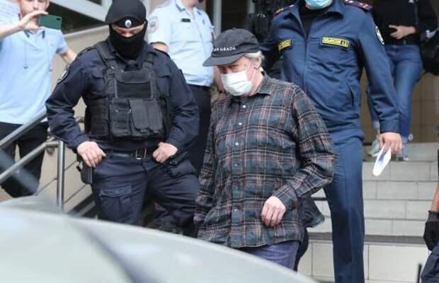 Грымов заявил об «уничтожении» Ефремова адвокатом