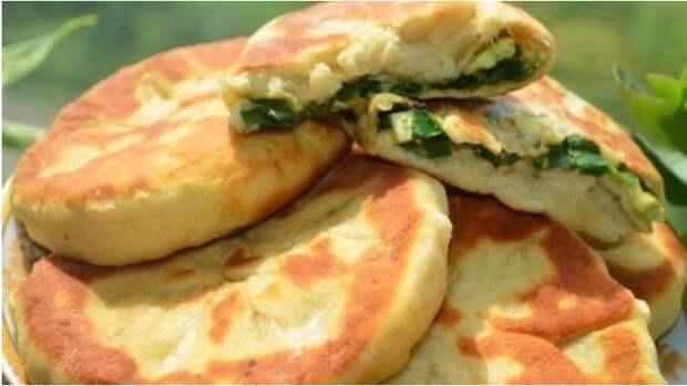 Рецепт вкуснейших пирожков с зеленым луком и яйцом на кефире