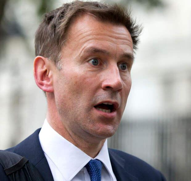 Глава британского МИДа перепутал китайцев и японцев