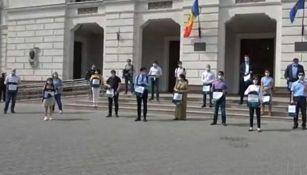 Молдавская оппозиция протестует: «Прокуратуре наголову надели кулек»