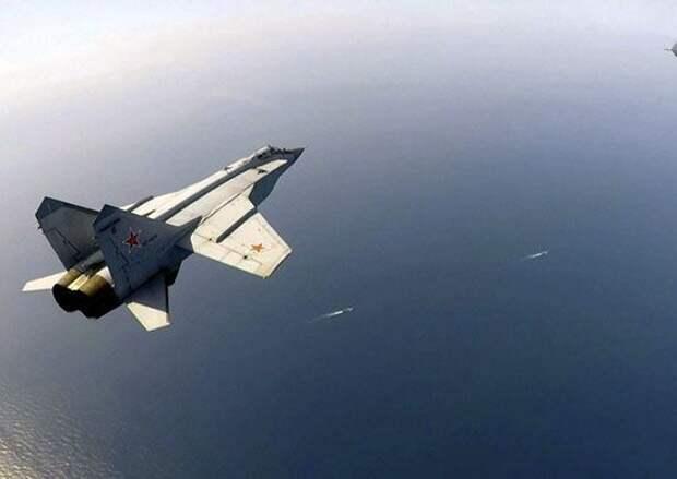 Российские истребители сопроводили бомбардировщик США над Охотским морем