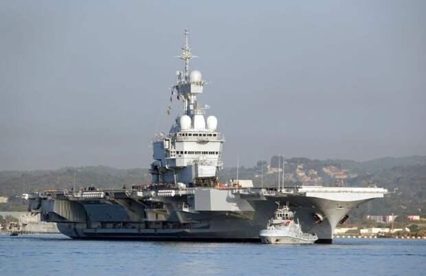Авианосец Charles de Gaulle покидает Тулон. meretmarine.com - «Шарль де Голль» снова в море | Warspot.ru