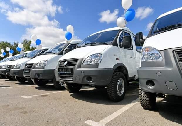 Больницы Удмуртии получили 20 новых санитарных автомобилей