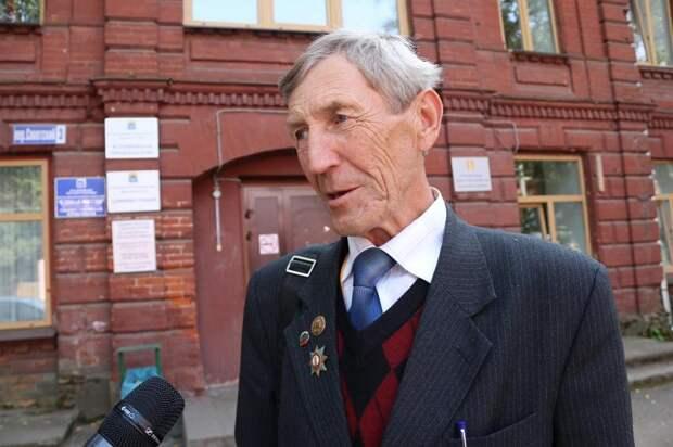Анатолий Лукашов: Надо создать условия, при которых молодежь будет оставаться на малой родине
