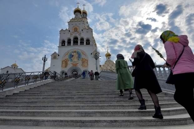 РПЦ не планирует закрытия храмов и отмены служб из-за пандемии коронавируса