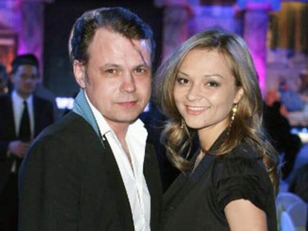 Артист с женой | Фото: stuki-druki.com