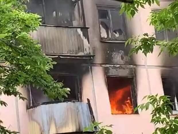 СК начал проверку после пожара в жилом доме в Москве