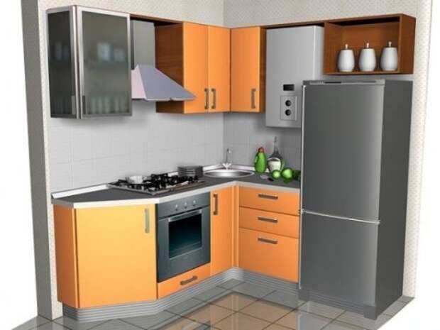 Интерьер кухни 5 кв м с угловой мойкой, газовой колонкой и холодильником
