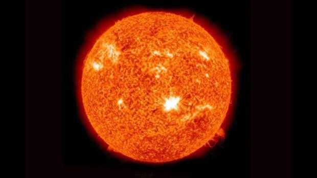 Звёздная болезнь: о кризисе среднего возраста у Солнца