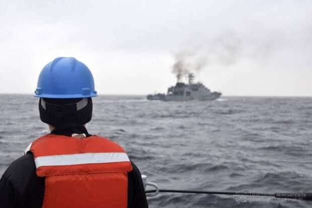 Район проведения учений ВМС Украины и Румынии был виден за десятки миль по чёрному дыму корвета Horia Macellariu