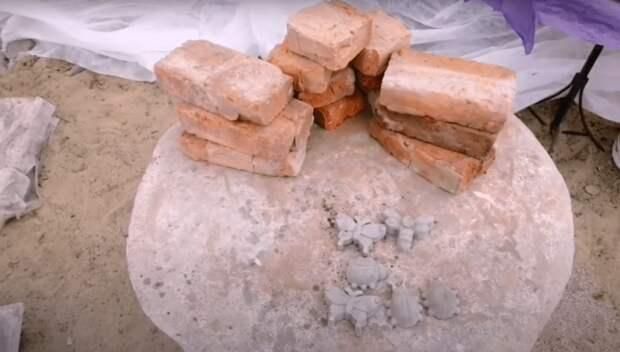 Переделываем старые кирпичи в оригинальные бордюры