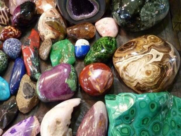 Раскрытие чакр с помощью украшений и камней-талисманов...