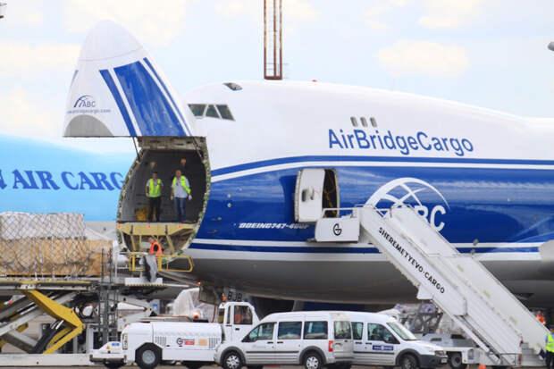Летевший в Лейпциг Boeing вернулся в аэропорт Красноярска из-за неисправности