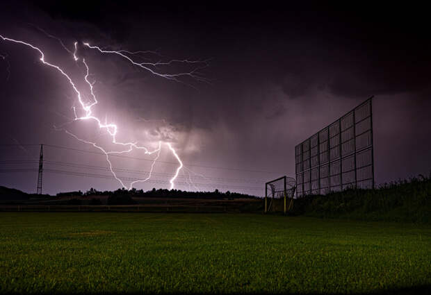 Lightning by David Vídeňský on 500px.com