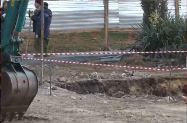 В Керчи при реконструкции бульвара нашли ящики с авиабомбами времён войны