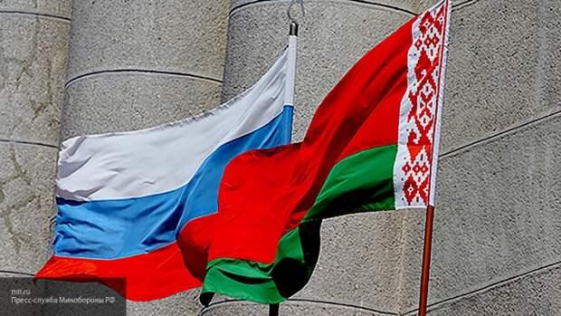 Политолог объяснил, чем для Лукашенко может обернуться встреча Путина и Байдена