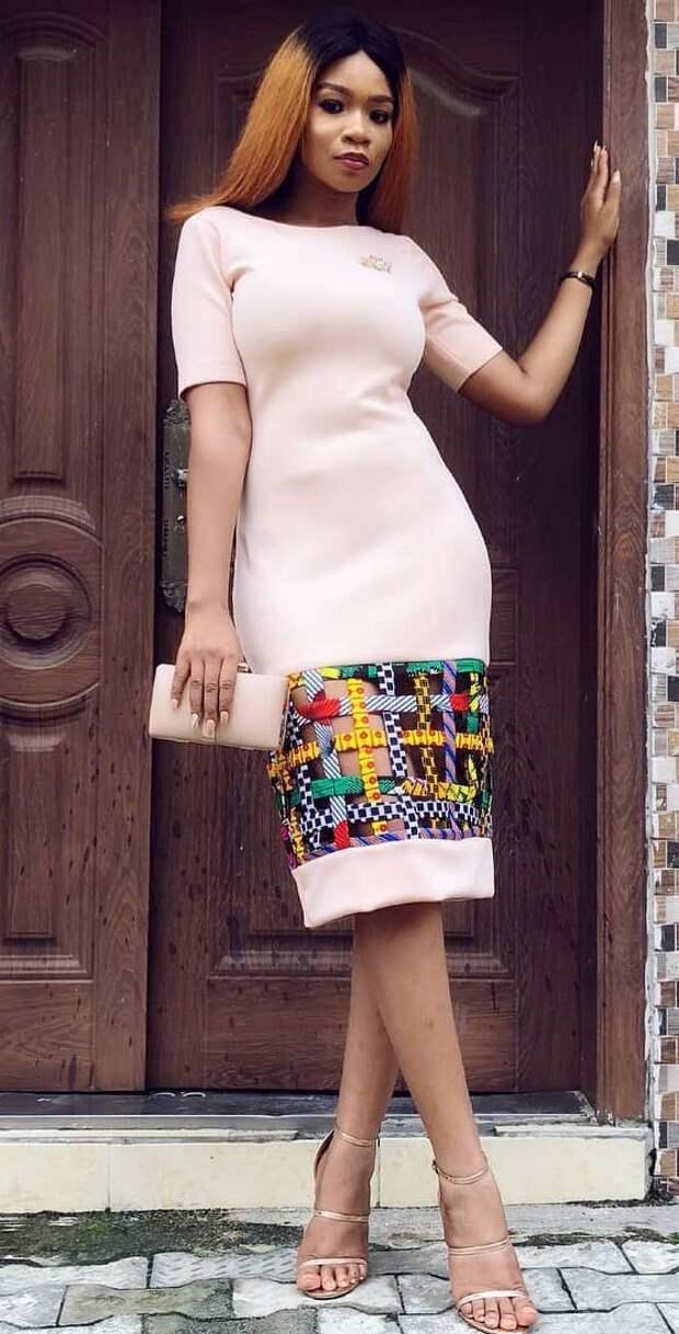 Платье  с переплетом