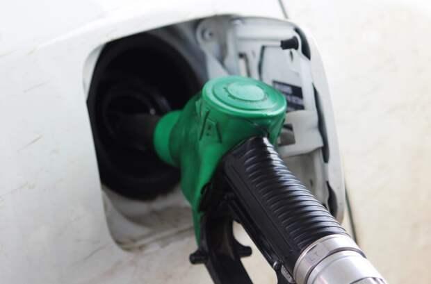 Иркутская область занимает первое место в СФО по ценам на бензин