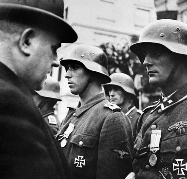 Словацкие нацисты предпочитали сдаваться в плен. /Фото: avatars.mds.yandex.net