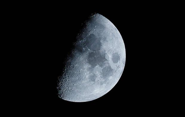 Эксперт объяснил бессмысленность доставки космонавтов к Луне на «Союзе»