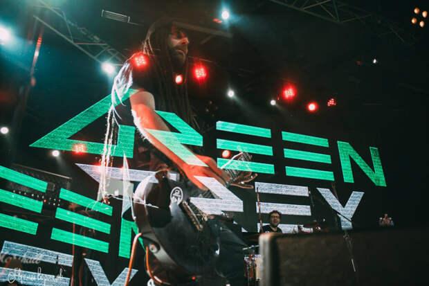 Украинской группе запретили выступать на большом празднике из-за песен на русском языке