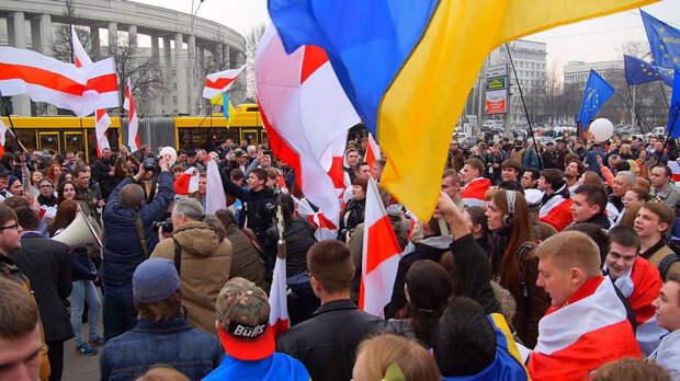 Белорусские протесты, как повод для решения украинских проблем