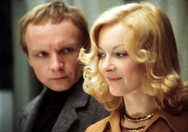 Тест: Насколько хорошо вы помните фильм «Ирония судьбы, или С легким паром!»?