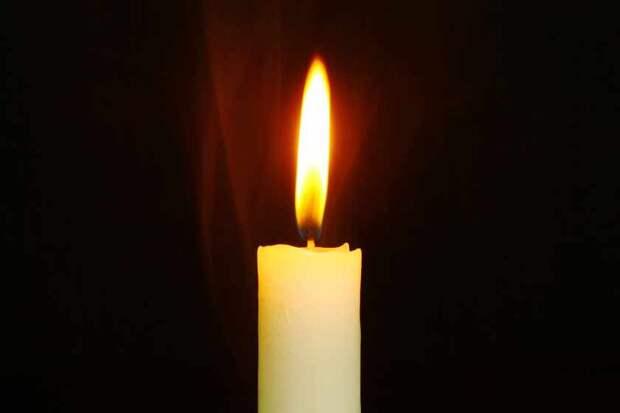 «Выпал из окна и погиб» — В больнице умер известный журналист. Ему бы еще жить и жить