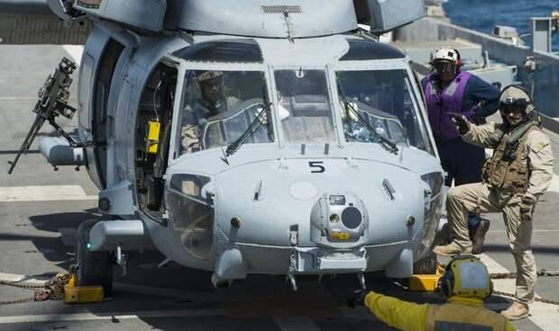 ВМС США собираются заменить палубные беспилотники и вертолёты